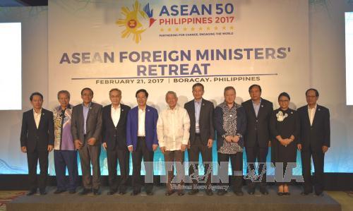 Củng cố đoàn kết, thống nhất, kiên trì và phát huy các lập trường chung trong ASEAN
