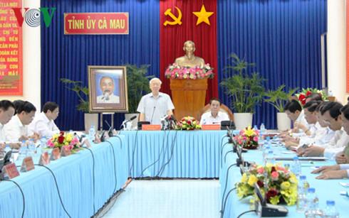 Tổng Bí thư Nguyễn Phú Trọng: Tỉnh Cà Mau cần phát triển mạnh kinh tế biển, kinh tế rừng