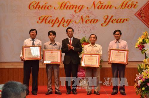 ชมรมชาวเวียดนามในประเทศกัมพูชาและแอลจีเรียต้อนรับตรุษเต๊ตตามประเพณีปีระกา๒๐๑๗