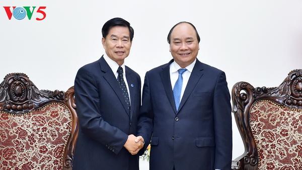 Premierminister Nguyen Xuan Phuc empfängt Bürgermeister von Vientiane
