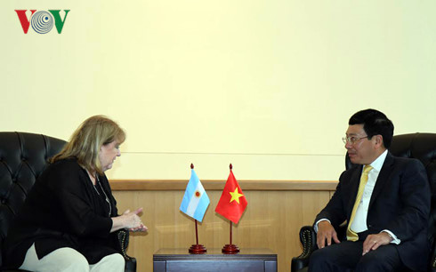 Deputy PM Pham Binh Minh hold bilateral meetings at 71st session of UN General Assembly
