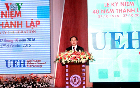 President attends 40th anniversary of HCM City University of Economics