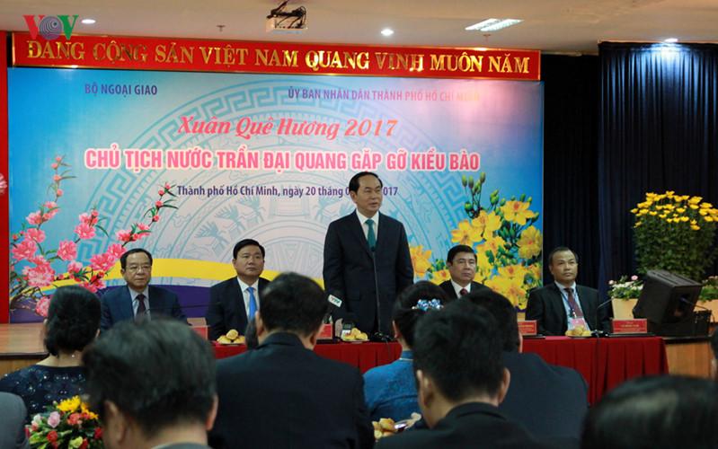 President Tran Dai Quang meets overseas Vietnamese