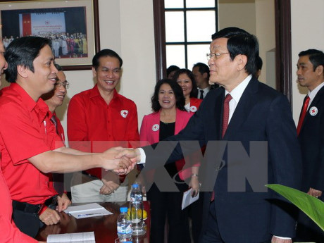 lembaga palang merah vietnam perlu memperhebat lebih lanjut lagi gagasan-gagasan kemanusiaan dan amal hinh 0