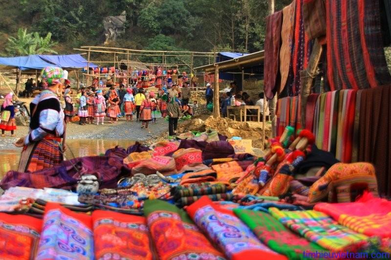 warna-warni dari pasar-pasar vietnam hinh 1