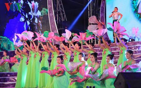 festival bunga ban-dien bien-2017: tempat berhimpunnya kebudayaan etnis-etnis daerah tay bac hinh 1