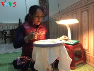 刺繍の村クアット・トン物語 hinh 3