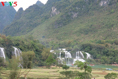 東南アシア最大の滝「ハンソク」滝 hinh 0
