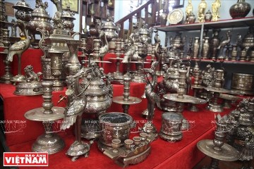銅を鋳造するタイハイ村 hinh 0