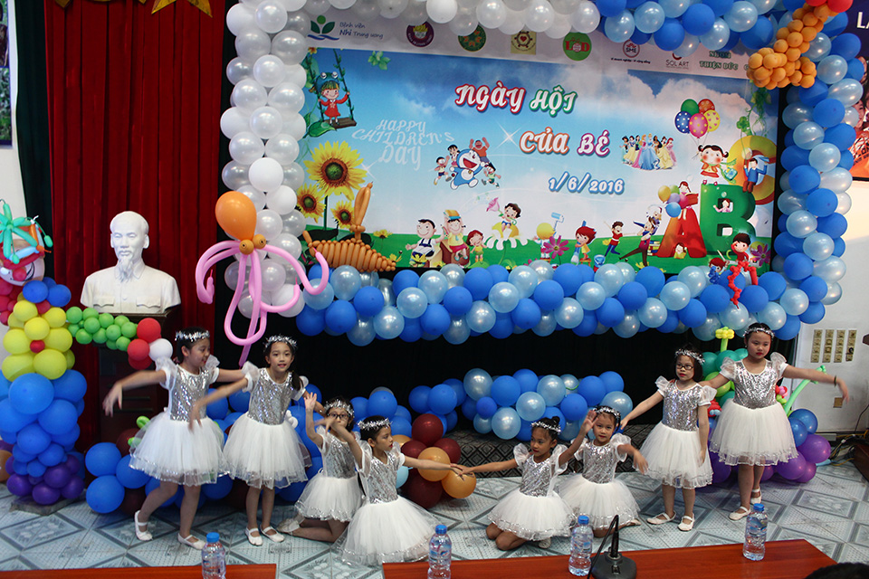 Hanoi busy with programs for children