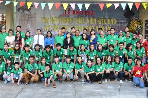 Summer camps link young overseas Vietnamese with the fatherland