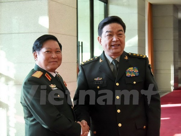 Vietnamese, Chinese military officials determined to lift bilateral ties to new height