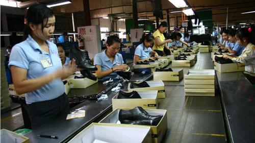 2017年越南皮鞋出口预计达180亿美元 hinh 0
