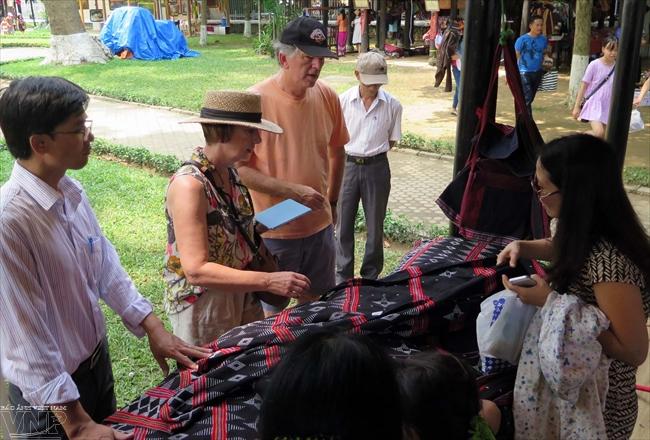 达渥族土锦纺织业被列入国家级非物质文化遗产名录 hinh 0