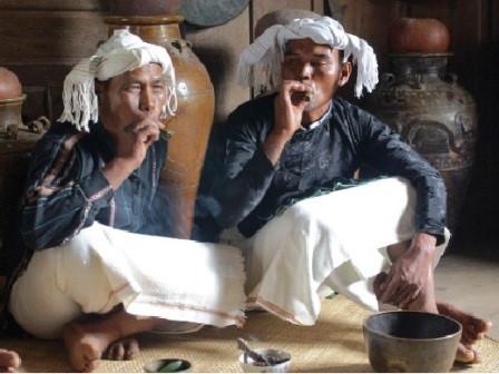 朱儒族——西原地区保存特色文化的民族 hinh 1