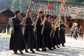 越南民族音乐生活中的竹制乐器展览和表演举行 hinh 0