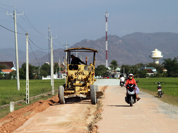 Cham ethnic people in Ninh Thuan province build new rural areas Village life