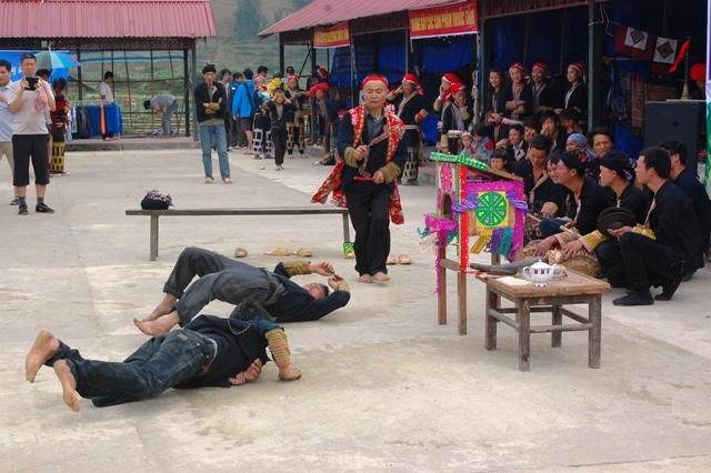 Dance festival of the red Dao Colorful Vietnam-Vietnam's 54 ethnic groups
