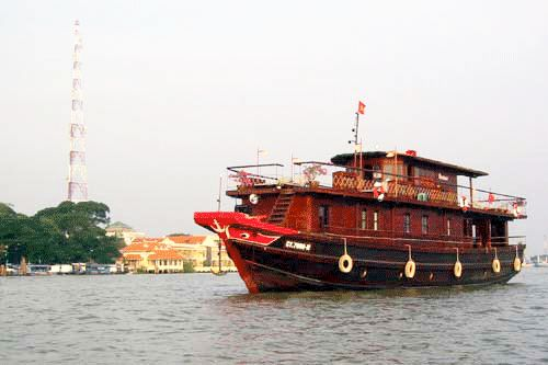 Ho Chi Minh City develops water-way tourism