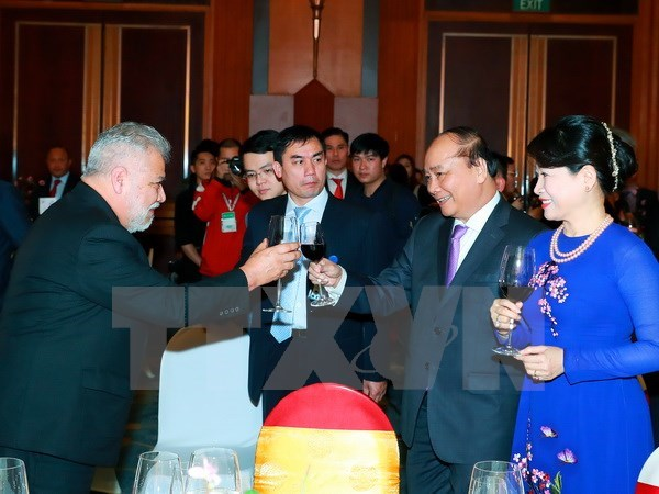 PM hosts New Year reception for foreign expats