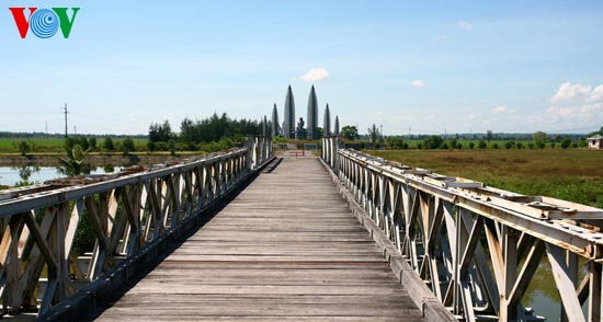 hien luong bridge – everlasting desire for national reunification  hinh 2