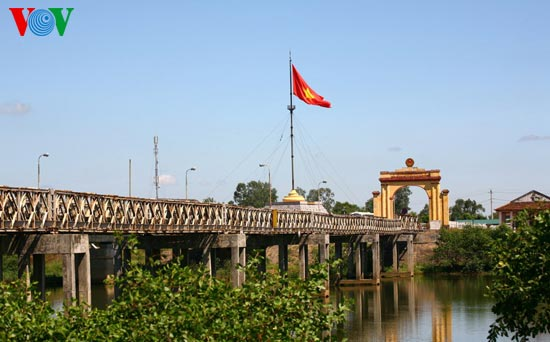 hien luong bridge – everlasting desire for national reunification  hinh 5