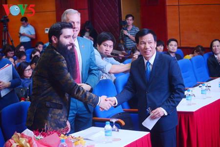 """regisseur des films """"kong: skull island"""" wird tourismusbotschafter fur vietnam hinh 0"""