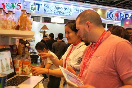 tiga puluh tiga  badan usaha vietnam menyosialisasikan pertanian hijau di pekan raya gulfood, dubai  hinh 9