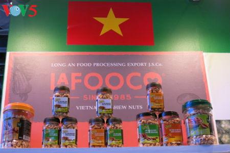 tiga puluh tiga  badan usaha vietnam menyosialisasikan pertanian hijau di pekan raya gulfood, dubai  hinh 14