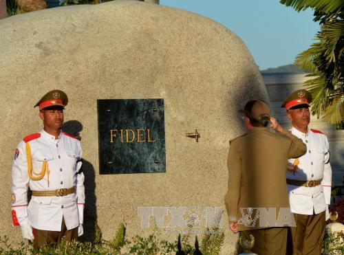 Cuba pays last respects to revolutionary leader Fidel Castro