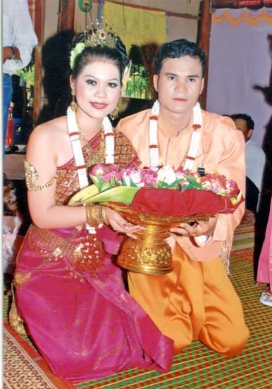 net dep doc dao trong trang phuc truyen thong nguoi khmer hinh 1
