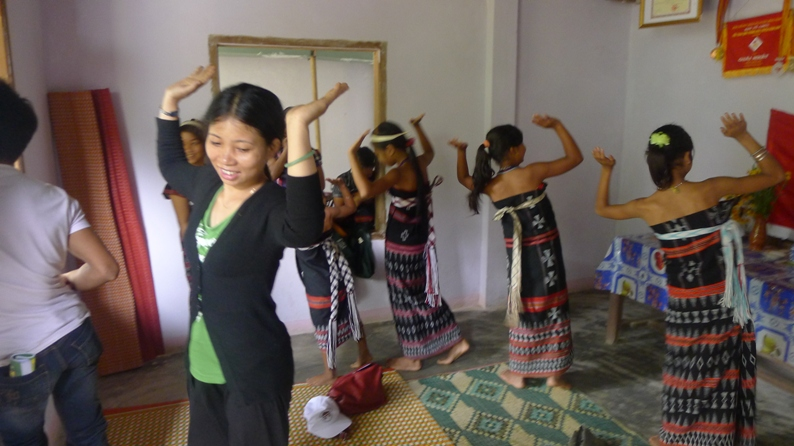The Cotu preserve their traditional culture Colorful Vietnam-Vietnam's 54 ethnic groups
