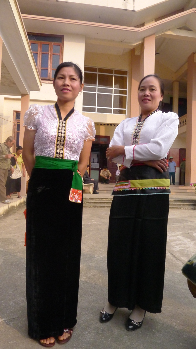 Costumes of the Thai women Colorful Vietnam-Vietnam's 54 ethnic groups