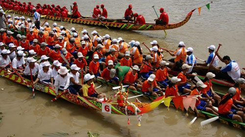 Boat racing during Ok om bok festival