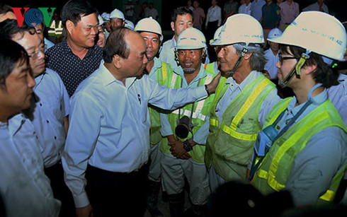 Prime Minister Nguyen Xuan Phuc visits construction site of Deo Ca tunnel
