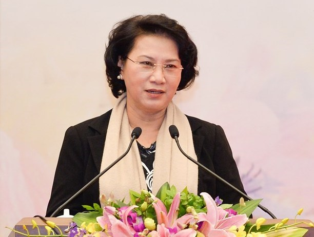 National Assembly Chairwoman receives Lao high-ranking official