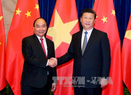Prime Minister Nguyen Xuan Phuc meets Chinese Party General Secretary and President Xi Jinping