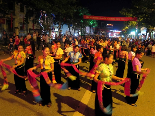 muong lo culture and tourism festival opens hinh 0