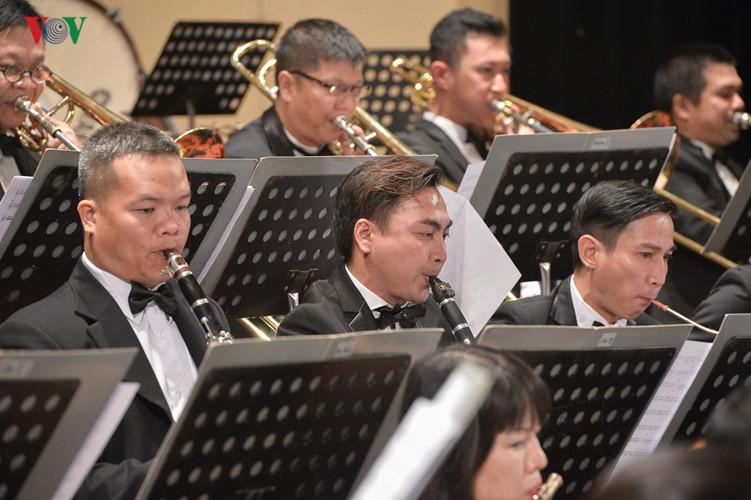 asia-europe new music festival in hanoi hinh 4