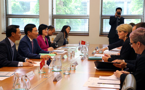 Deputy Prime Minister holds talks with Australian Foreign Minister