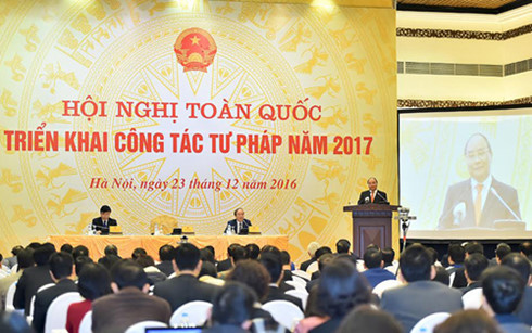 pm nguyen xuan phuc: legal verification should be improved hinh 0