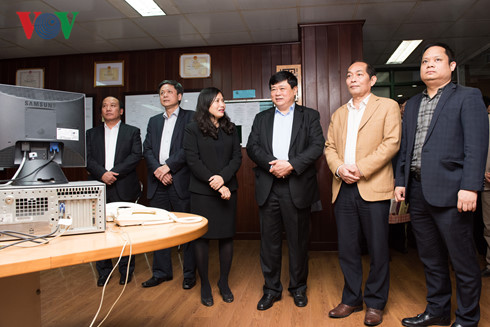 vov president pays lunar new year visit to officials, reporters hinh 1