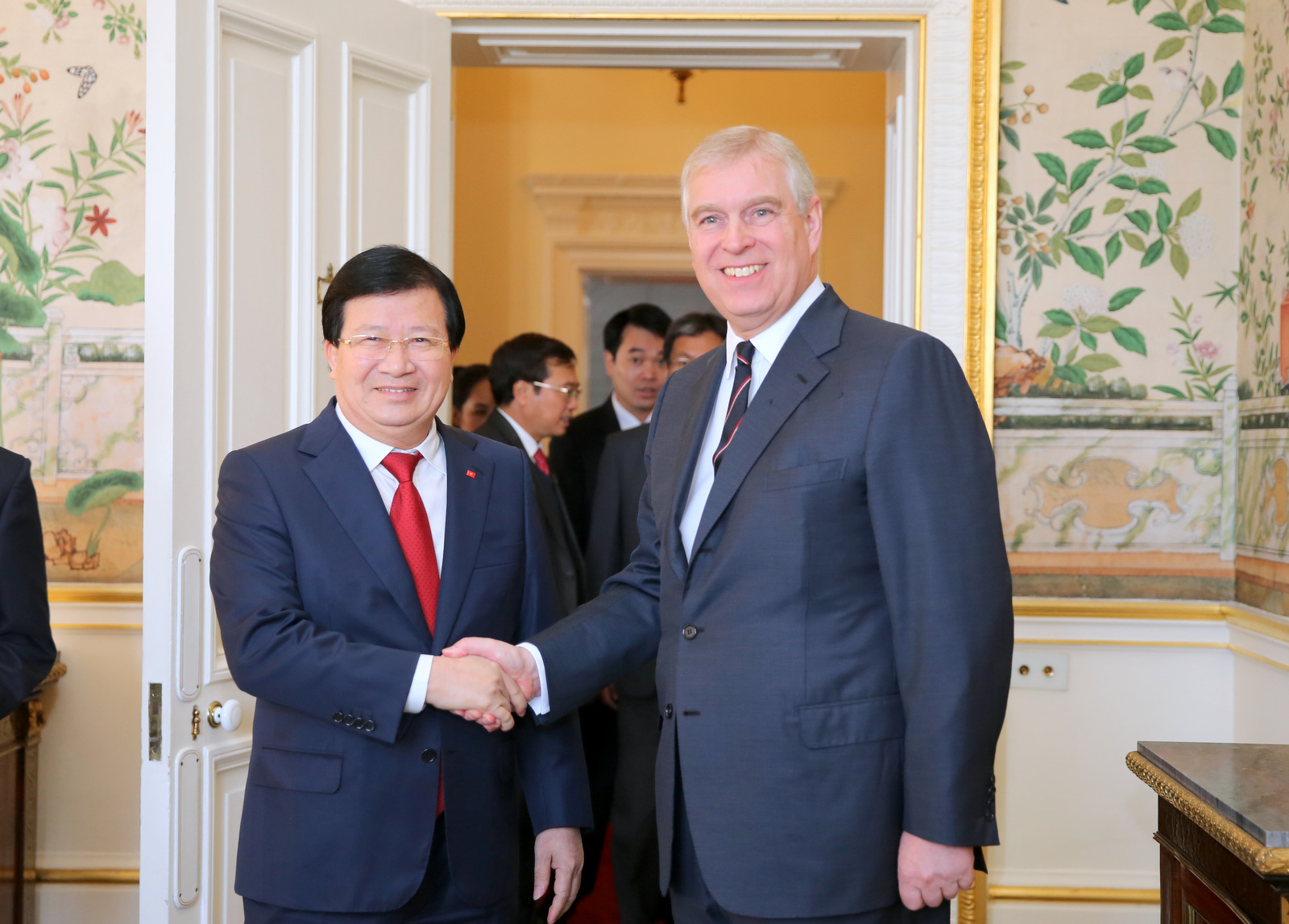 Vietnam respects strategic partnership with the UK