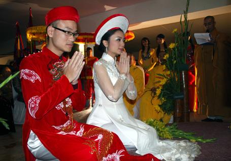 el ao dai enorgullece a vietnam hinh 8
