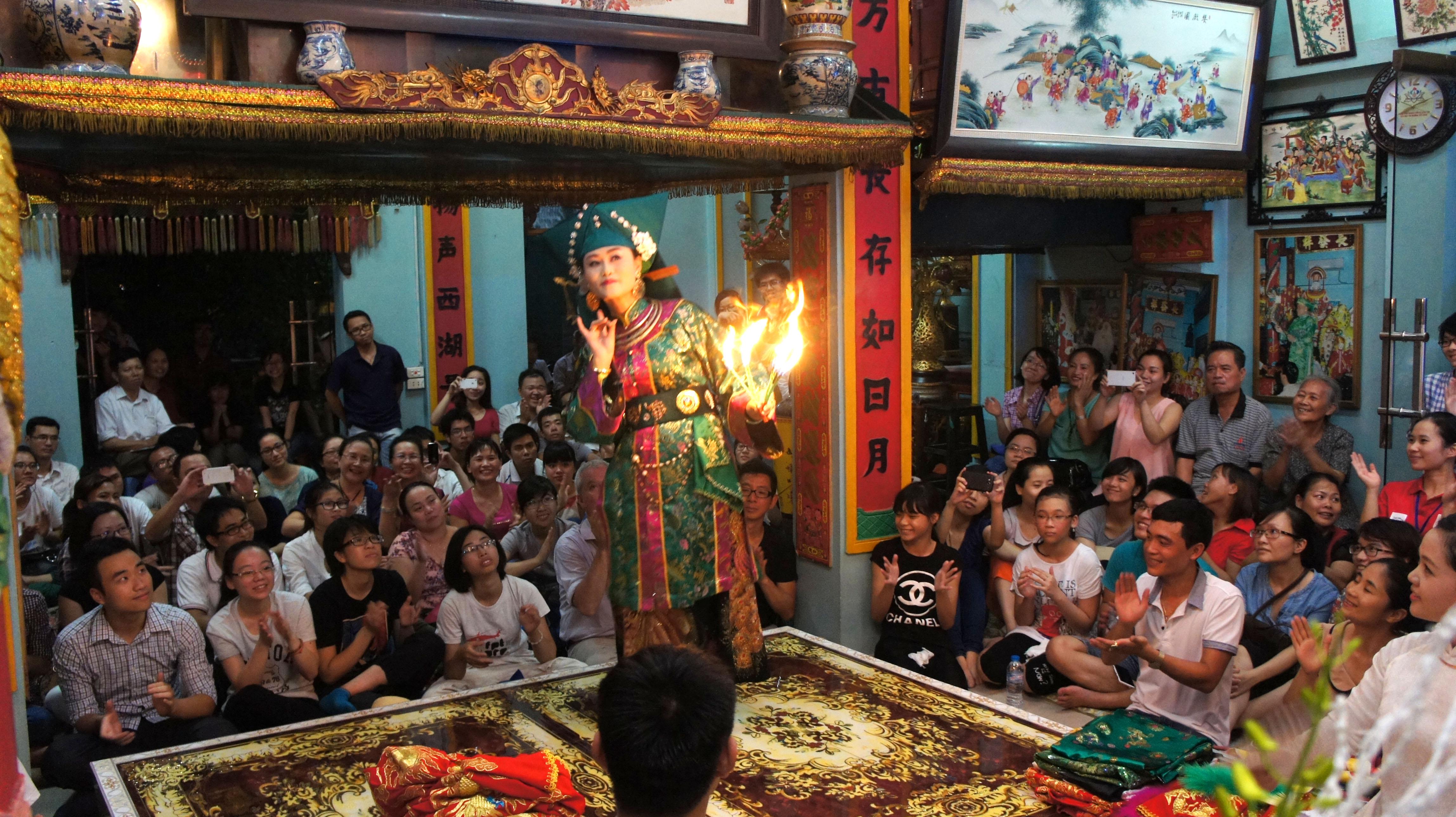 culto a diosas madres: honor a valores perdurables de la nacion vietnamita hinh 1