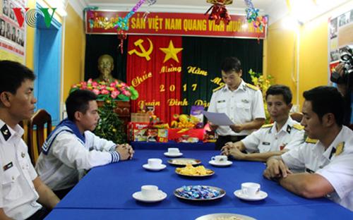 compatriotas del distrito truong sa celebran nueva primavera con felicidad y prosperidad hinh 0