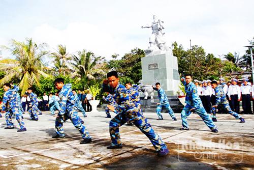 compatriotas del distrito truong sa celebran nueva primavera con felicidad y prosperidad hinh 1