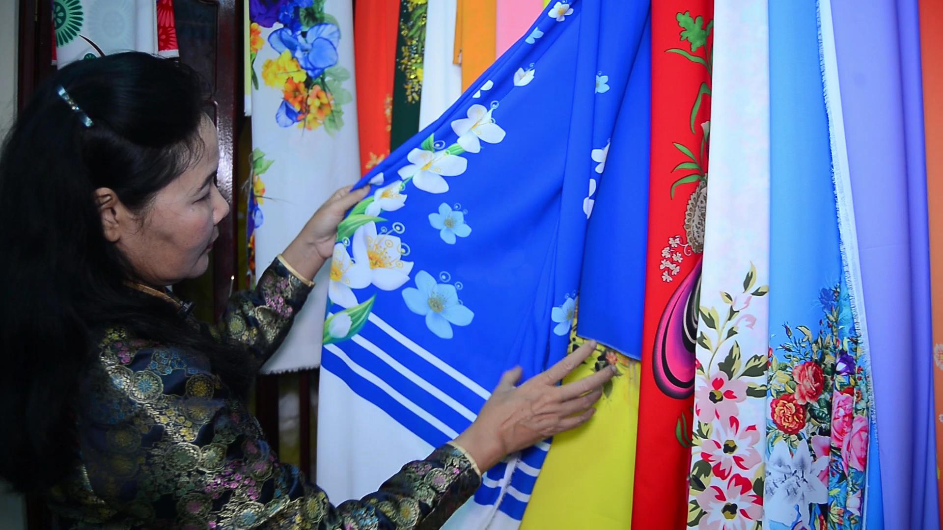 tran thanh thuc y su amor por las pinturas de tela hinh 0