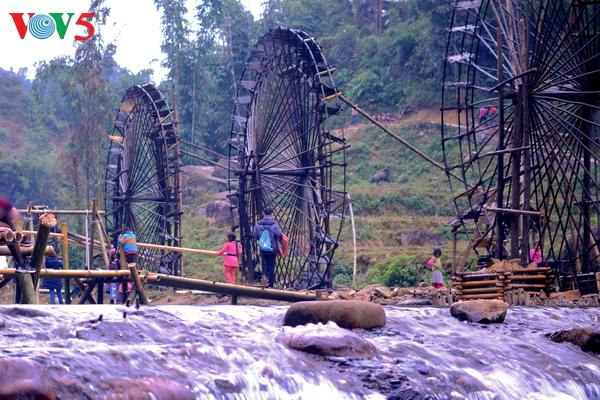 ruedas de agua, un atractivo del noroeste de vietnam hinh 0