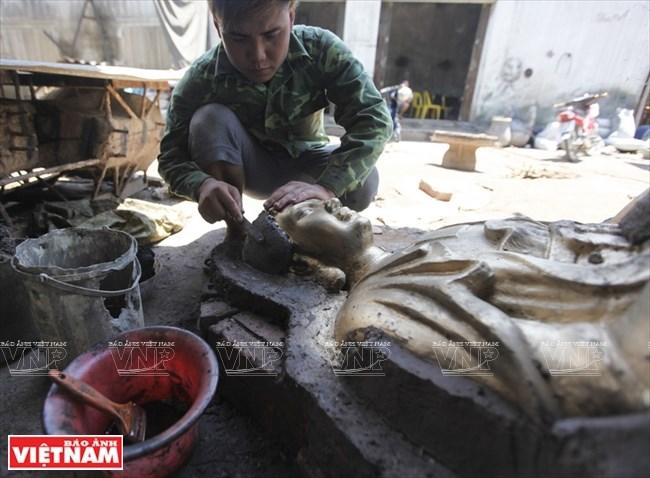 aldea dai bai, una larga historia en la fundicion de bronce hinh 1